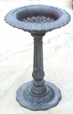 aluminum birdbath with verdi gris finish