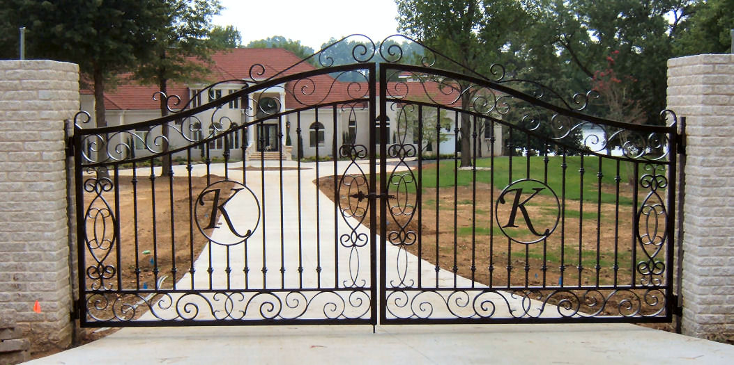 Residential Grade Infinity Aluminum Fence and Gates - Details  Prices